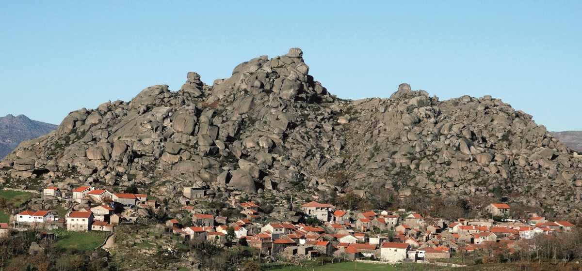 imagem aldeia montalegre